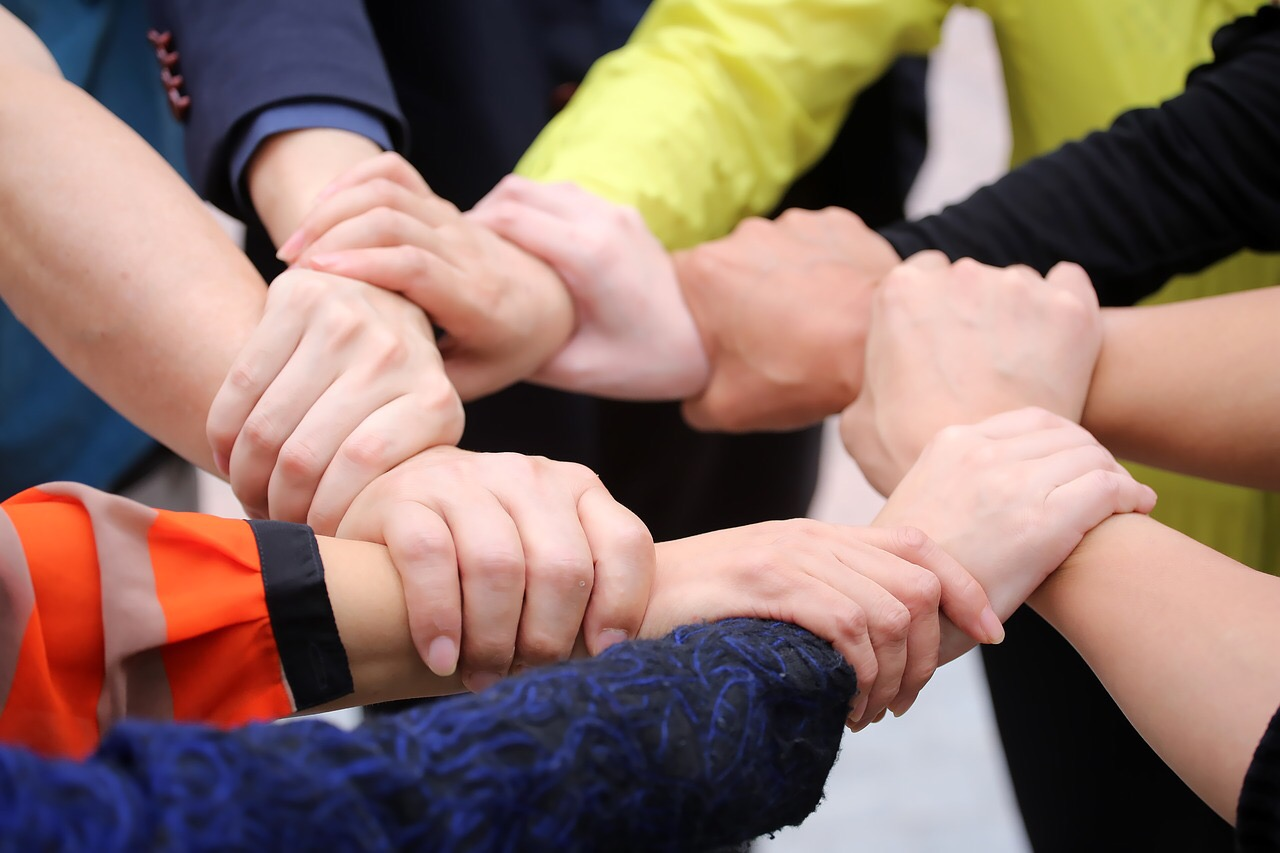http://maxpixel.freegreatpicture.com/Trust-Hand-Teamwork-Keep-Cooperation-Unity-1917780
